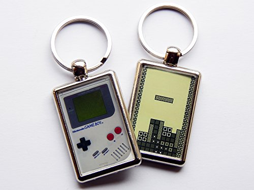 gameboy-and-tetris-classic-nintendo-video-game-quality-chrome-keyring-picture-different-on-each-side