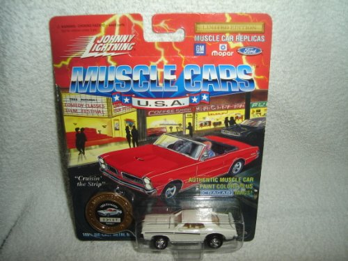 "JOHNNY LIGHTNING MUSCLE CARS DIE CAST METAL BODY AND BASE ""WHITE 1969 ELIMINATOR"" SERIES 1 **COLLECTOR COIN INCLUDED** - 1"