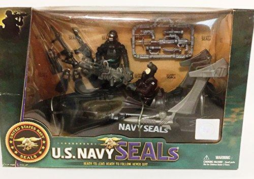 us-navy-seals-watercraft-includes-2-figures