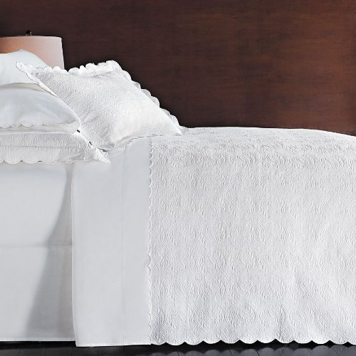Amazing Peacock Alley Scallop Matelasse White Coverlet KING New