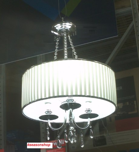 Room With Chandelier front-908306