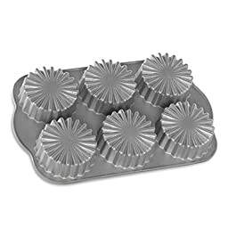 Nordic Ware Ruffled Medallion Dessert Mold, Metallic