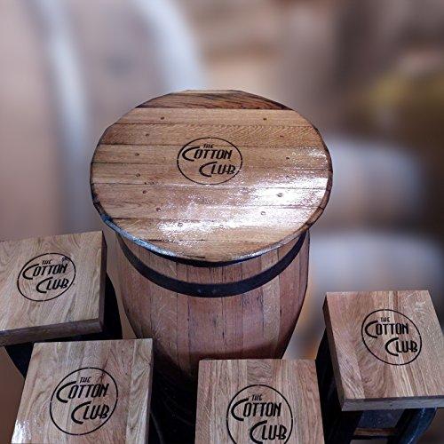 riciclato robusto quercia whisky botte pub da tavolo e quattro sgabelli con un logo personalizzato