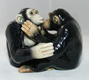 Salt and pepper shakers chimpanzees hug and kiss new porcelain klima l798 home - Salt and pepper hug ...