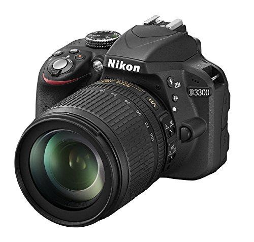 Nikon D3300 Kit Fotocamera Reflex Digitale con Nikkor 18/105 VR, 24.2 Megapixel, LCD 3 Pollici, SD 8GB 200x Premium Lexar, Nero [Nital card: 4 anni di garanzia]