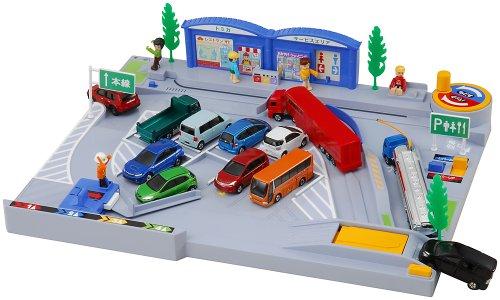 トミカワールド バックで駐車!  たのしいサービスエリア