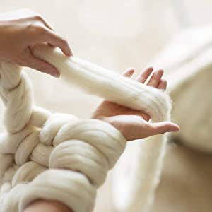 clootess Bulky Chunky Yarn Big Roving Wool for Hand Made Knitted DIY Sofa Bed Throw Blankets Ivory White 3 lbs = 1.36 kg (Color: Beige, Tamaño: 3 lbs)