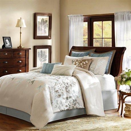 Harbor House Savannah 4-Piece Comforter Set, Queen, Beige