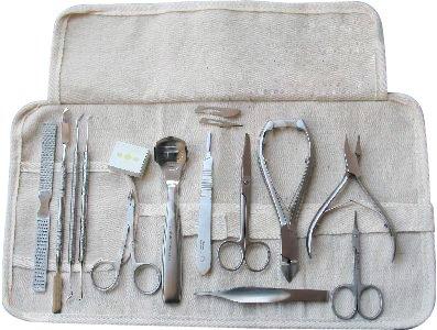 fusspflege-instrumente-set-33-teilig-inklusive-nagelzangen-fusspflegeinstrumente-pinzeten-und-skalpe