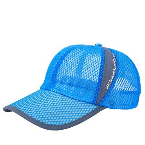 メッシュタイプの帽子は必需品