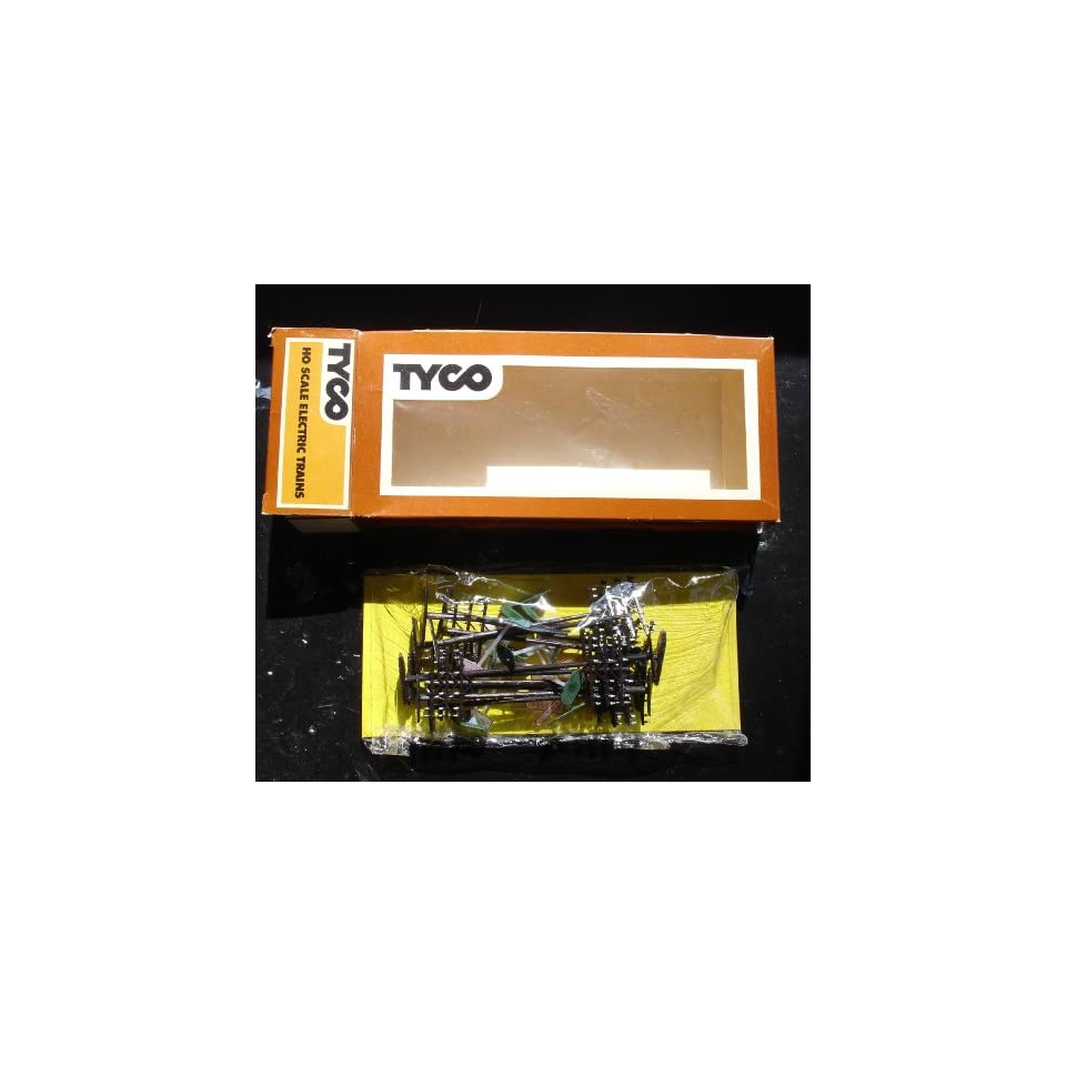 Tyco HO Scale Train Assessories Signs and Light Poles