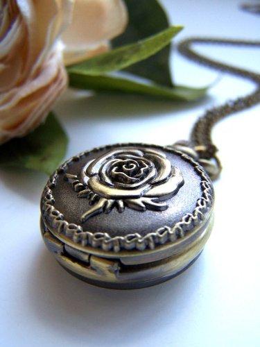 Weinlese-Schmuck - Vintage Jewellery - Bezaubernd Klein Vintage Rose Antique Quarz Taschenuhr Halskette