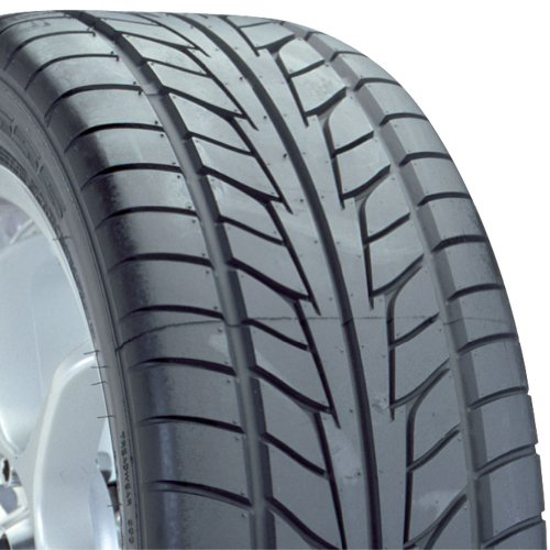Nitto NT555 EXT High Performance Tire - 245/45R18