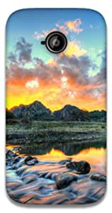 The Racoon Grip printed designer hard back mobile phone case cover for Motorola Moto E2. (Mountain R)