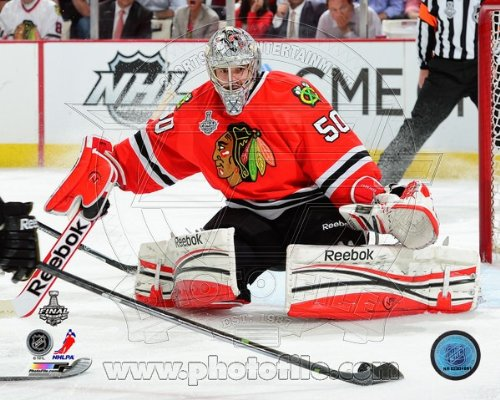 где купить  Corey Crawford Game 1 of the 2013 Stanley Cup Finals Action Glossy Photo Photograph  дешево