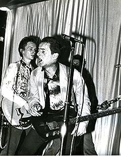 Meeting Joe:: Joe Strummer, the Clash & Me (English Edition)