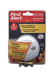 First Alert SA700DUK Photoelectric Smoke Alarm with Silence Feature by First Alert