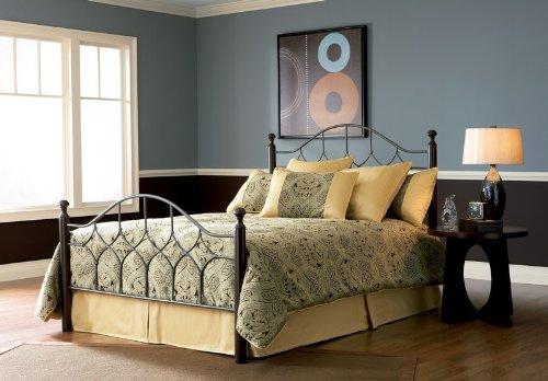 California King Fashion Bed Group Bianca Iron Poster Bed in Hammered Pewter Finish