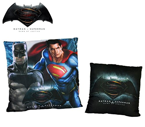 WA16009 Cuscino decorativo quadrato Batman VS Superman DAWN OF JUSTICE 40x40 cm. MEDIA WAVE store ®
