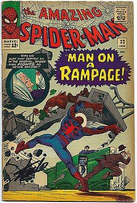 STAN LEE HAND SIGNED SPIDERMAN #32 COMIC BOOK PSA/DNA GRADED GEM MINT 10! V07901