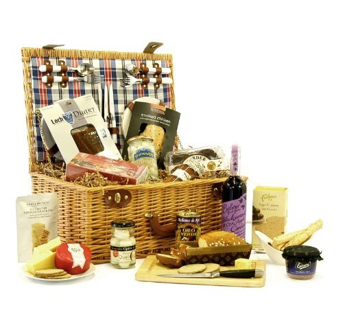 Piccadilly Luxury Picnic Hamper with Accessories & Gourmet Foods - 18th 21st 30th 40th 50th 60th 70th 80th 90th 100th Birthday Retirement Wedding Anniversary Engagement Gifts Presents Corporate Christmas Hampers for Her Him Men Women Mum Dad