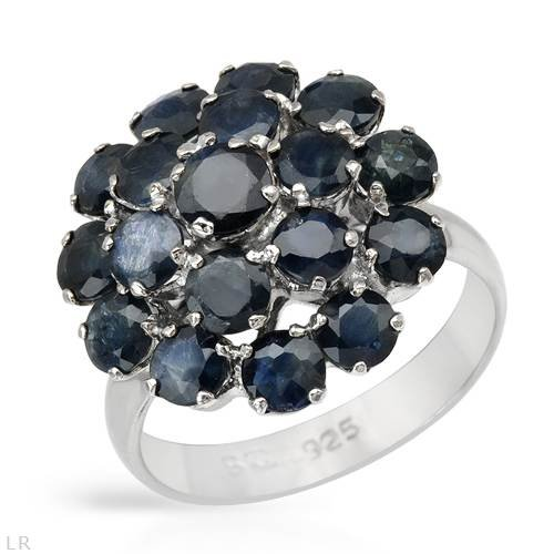 Ring With 4.65ctw Genuine Sapphires 925 Sterling silver. Total item weight 5.6g (Size 7)