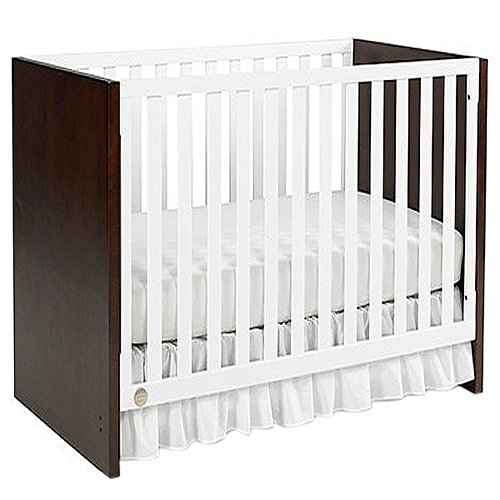 Fisher-Price Soho 3-in-1 Convertible Crib, Snow White/Espresso