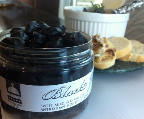 Blue Ribbon Sale! 1Lb.Peeled Black Garlic $26.98 28 Bulbs!!! Equal To 2 Pounds Unpeeled Black Garlic (No Stems, Cores, Or Peels In Weight): Organic Farm Grown, No Gmos