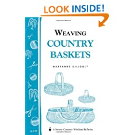 Weaving Country Baskets: Storey Country Wisdom Bulletin A-159 (Storey Publishing Bulletin, a-159)
