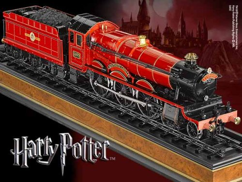 Harry Potter Hogwarts Express 21 inch Model