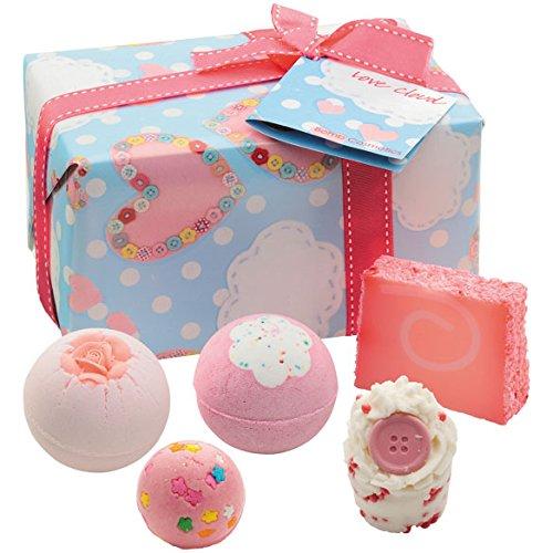 bomb-cosmetics-love-cloud-coffret-cadeau-pour-le-bain-680-gr