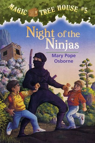 Magic Tree House #5: Night of the Ninjas (A Stepping Stone Book(TM))