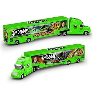Lionel Racing Danica Patrick 2013 GoDaddy 1/64 Hauler