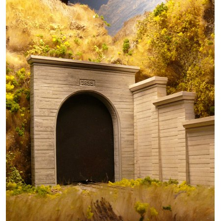 Chooch Enterprises HO Scale Single Concrete Tunnel Portal - 1