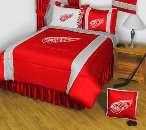 Red Wings Bedding front-1011347