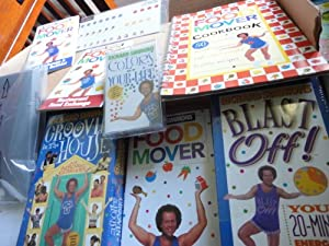 Richard Simmons' Move, Groove and Lose Kit (Weight Loss and Exercise Program) [Includes 1 VHS Video, 1 Audio Cassette, 1 Food Mover Cards]