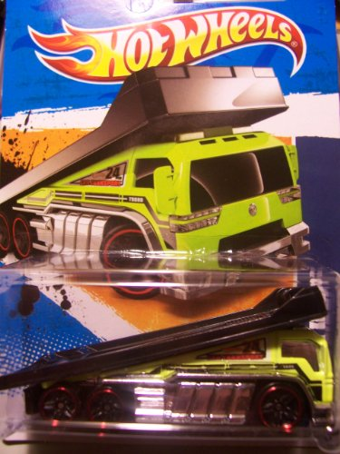 Hot Wheels City Works 2011 3/10 Back Slider 173/244 ~ Green with Red Tires - 1