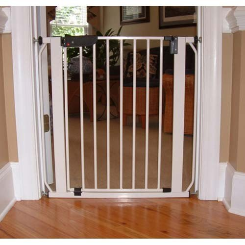 Cardinal Gates Auto-Lock Pressure Gate, 28 x 30-Inches, White