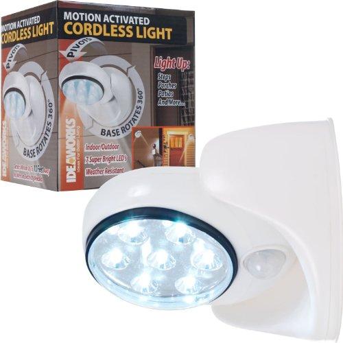Room Essentials Lamp front-1023643