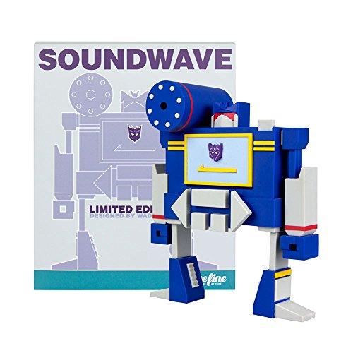 ECCC 2015 Transformers Soundwave Vinyl Figure