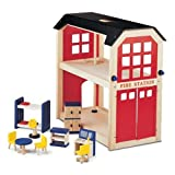 Pintoy Wooden Fire Station & Accessoriesby Pintoy