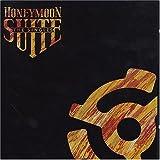 The Singlesby Honeymoon Suite