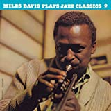 Plays Jazz Classics + 1 Bonus Track