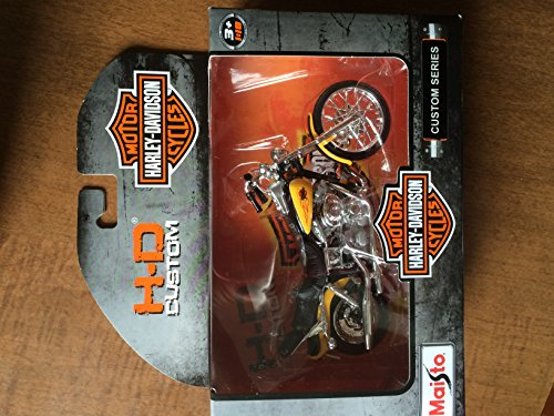 2014 Maisto 1/18 Scale H-D Custom Series 1962 Harley Davidson FLH DUO Glide - 1
