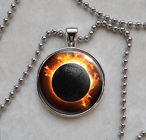solar-total-eclipse-pendant-necklace