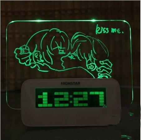 Cran HUB Wecker mit Schreibtafel Fluoreszenz Lichtwecker Message Board Wecker Digitalwecker mit USB (Grün) jetzt kaufen