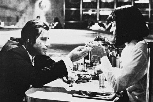 uma-thurman-and-john-travolta-in-pulp-fiction-24x36-poster-dining-scene