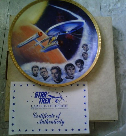 Star Trek USS Enterprise, The Commemorative Collectors Plate, 10 1/4 gold plated plate, 2307e