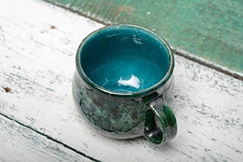 tasse-en-argile-couverte-de-glacure-faite-main
