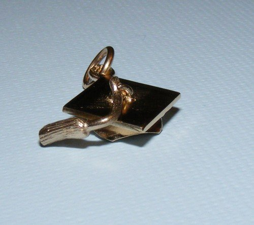 9ct-solid-yellow-gold-graduation-mortar-board-charm-pendant